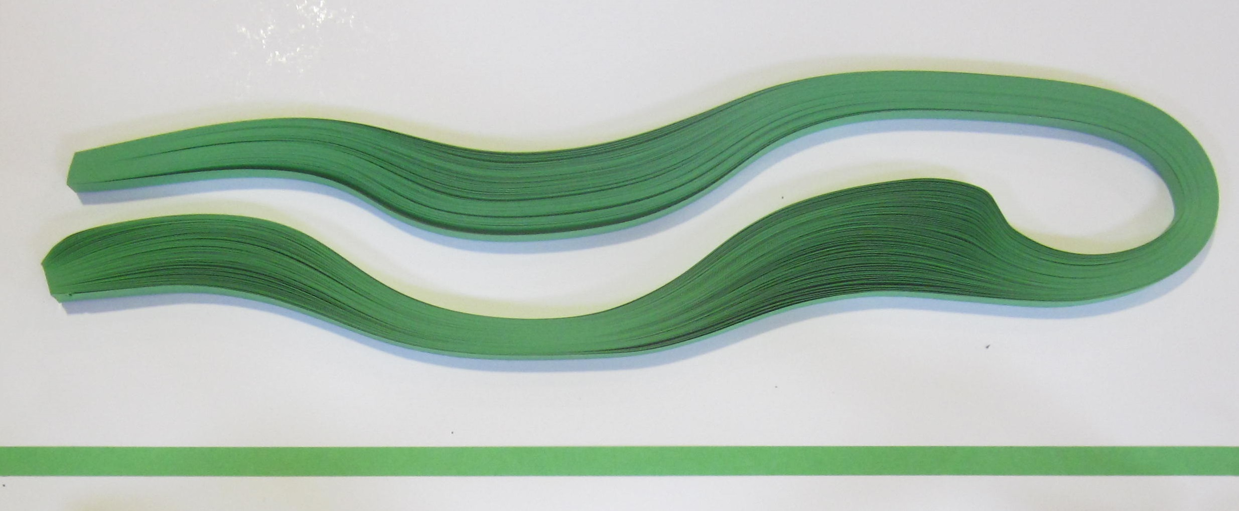 PAPEL QUILLING 313, 3MM. VERDE VIVO