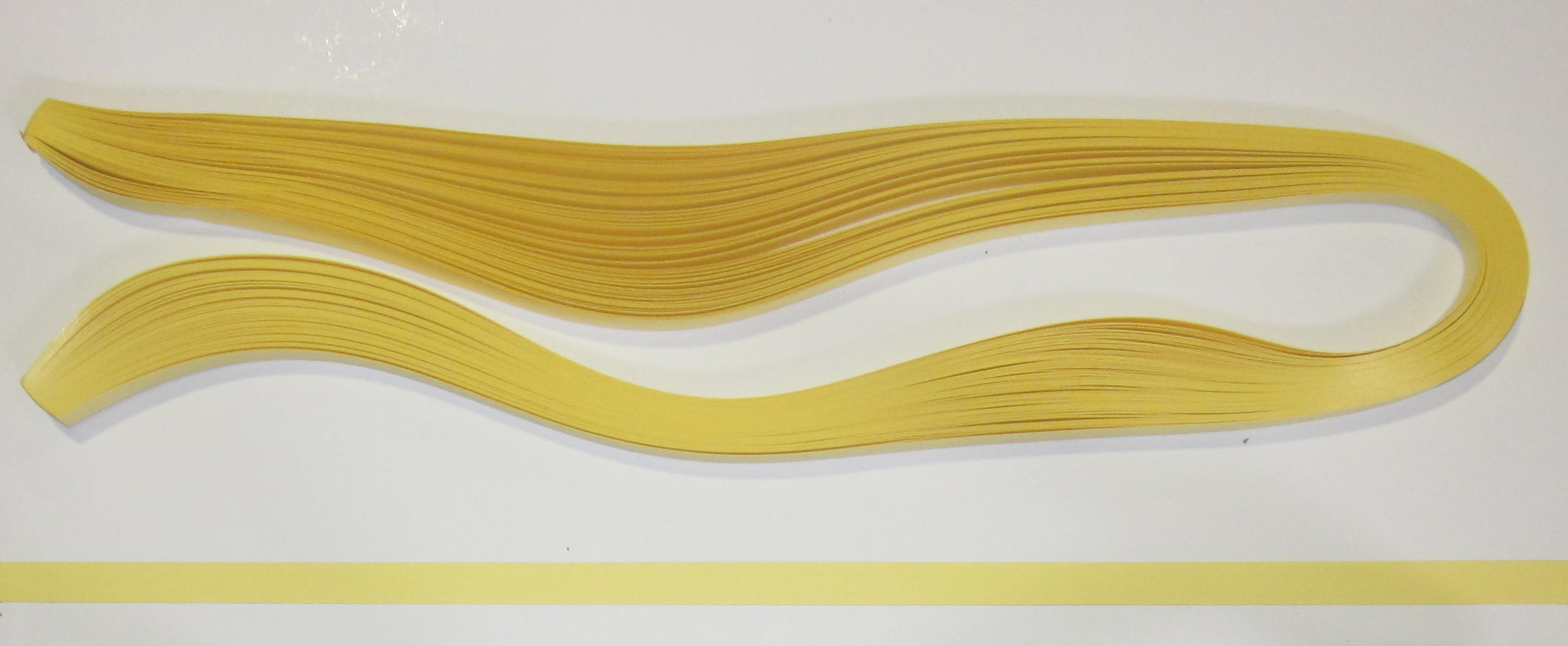 PAPEL QUILLING 322, 9MM. AMARILLO CREMA